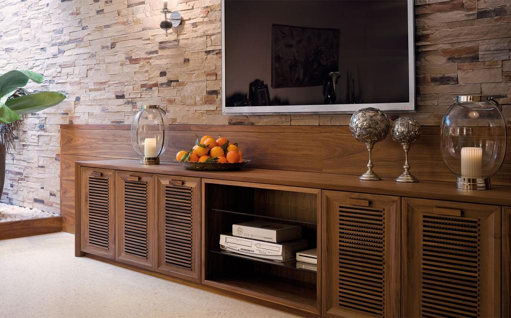 Living room credenza with listel doors
