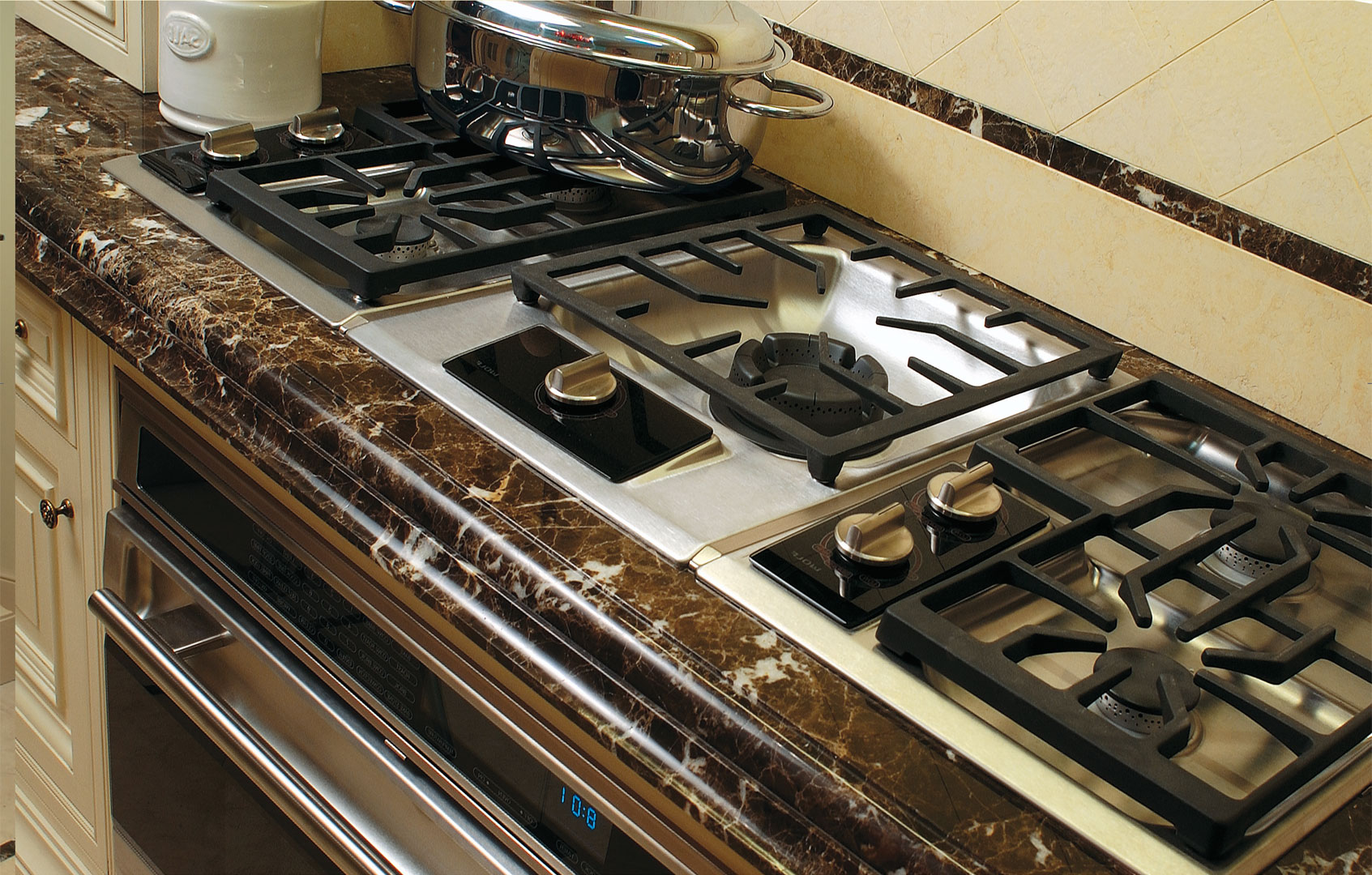A professional wide rangetop with 5 burners