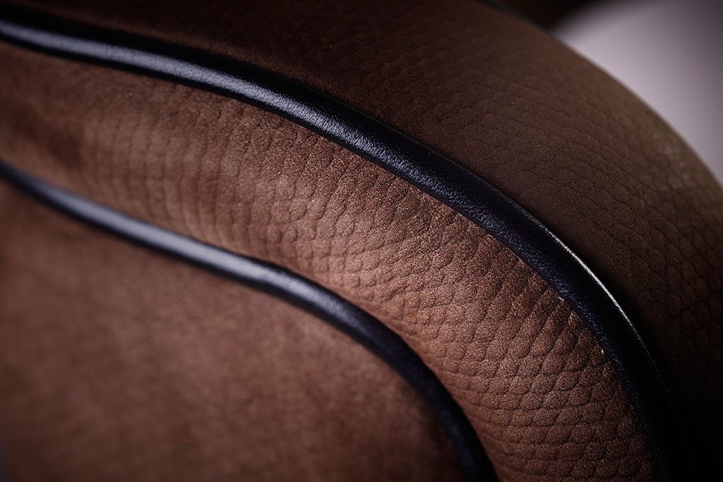 Detail of back with leather profiles