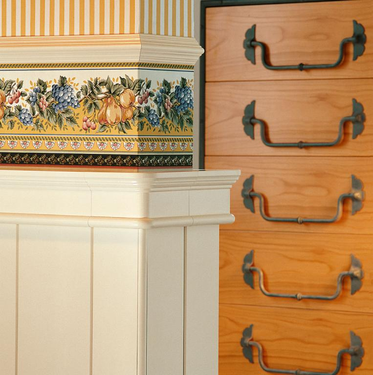 Detail of upper cornice part of boiserie with rounded corners