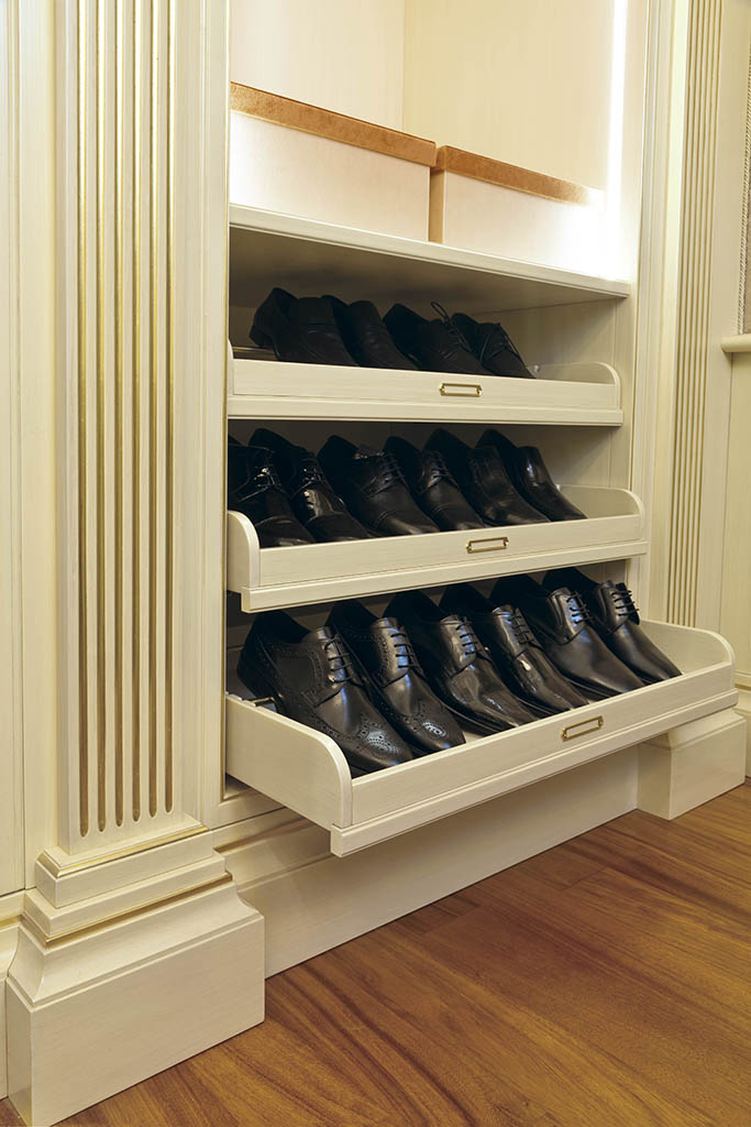 A clever retractable system allows shoes to rest on a special mount