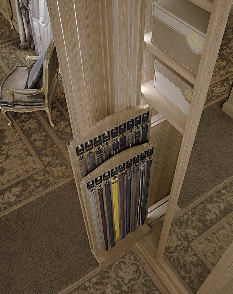 The convenient belt holder is accessed by sliding the large mirror sideways