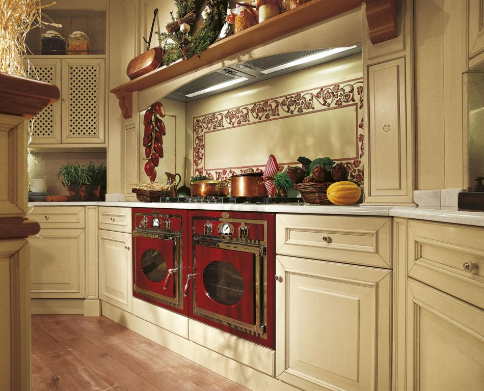 Cooking area with double built-in oven and professional cooker