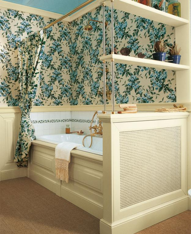 Built in bath tub and Vienna straw radiator cover, butter colored